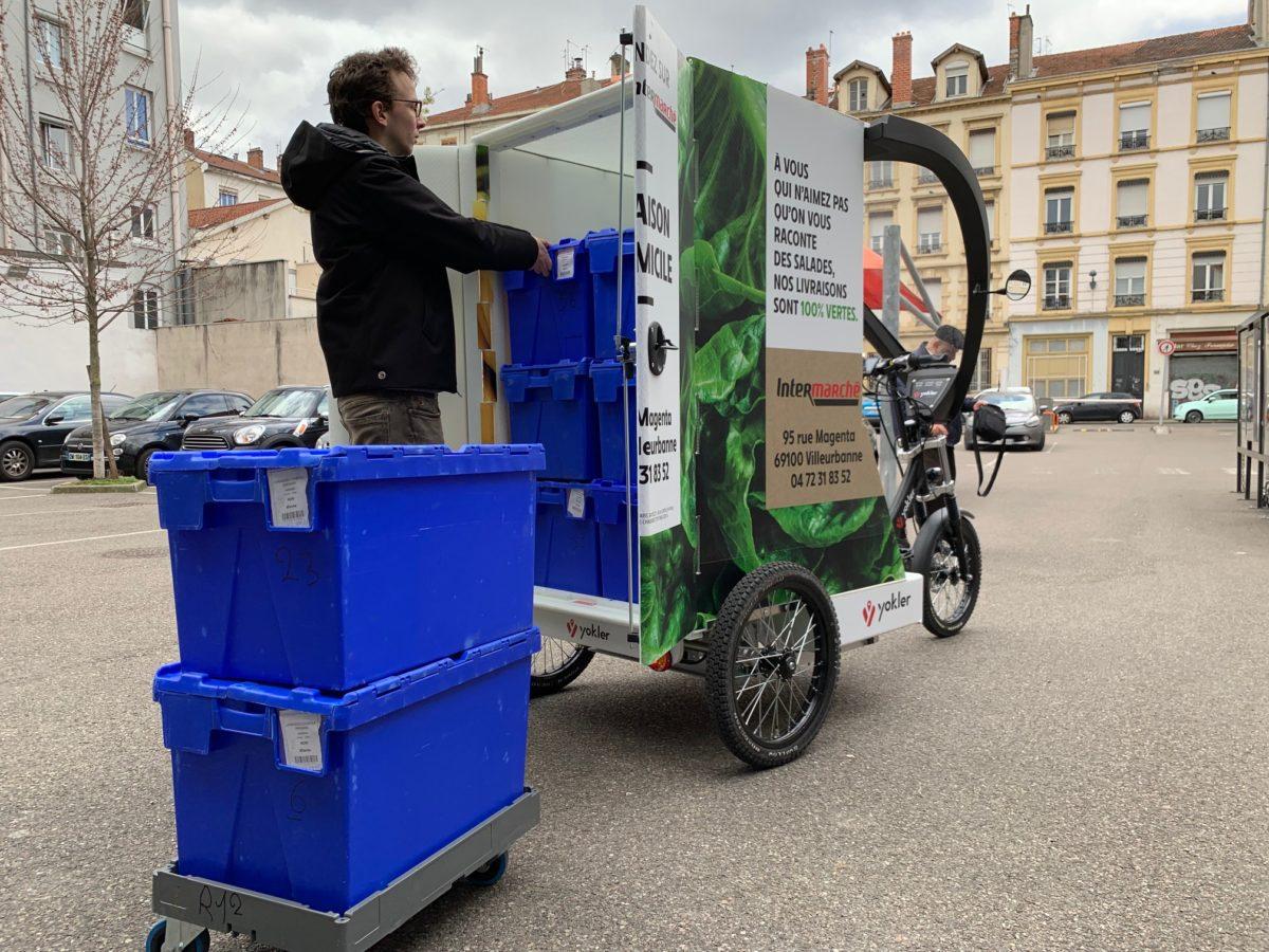 Triporteur professionnel de livraison Intermarché pour la livraison de courses